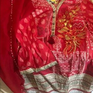 pretty Indian shirt and dupatta